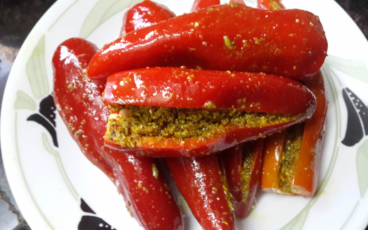Whole Red Chilli Pickle
